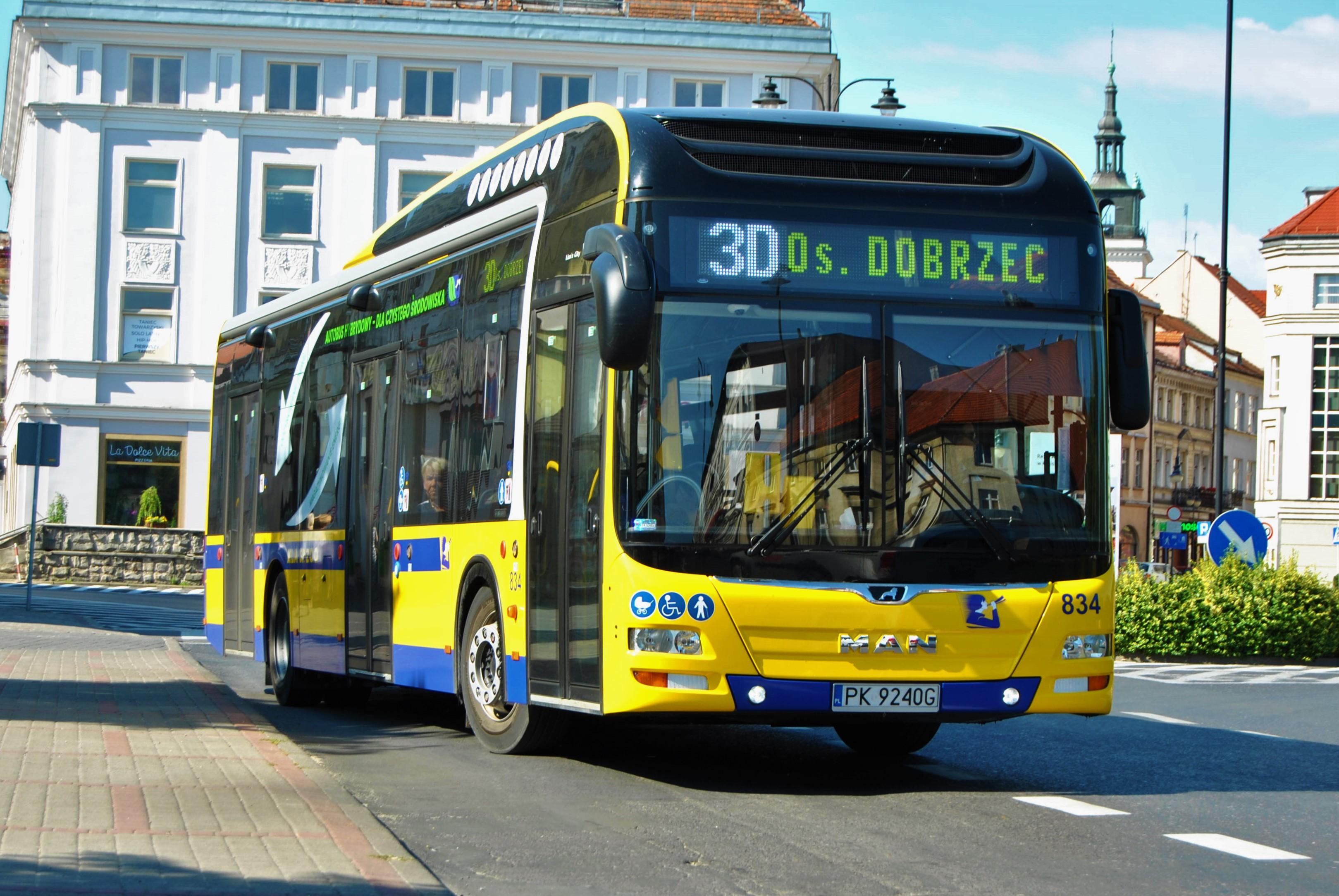 Więcej o: Wystąpią utrudnienia w kursowaniu autobusów komunikacji miejskiej w dniu 21 lipca br. po godzinie 20:30.